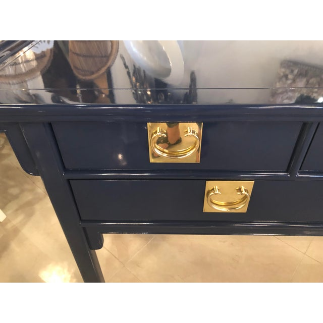 Hollywood Regency Vintage Century Furntiure Pagoda Navy Blue Lacquered Brass Hardware Console Table For Sale - Image 3 of 11