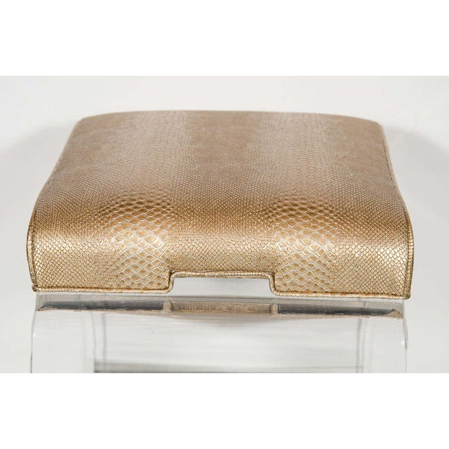 Mid-Century Modernist Waterfall Lucite Stool with Faux Bronze Metallic Python For Sale In New York - Image 6 of 7