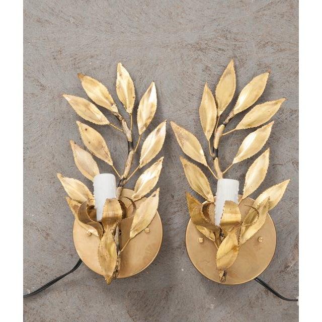 "Brass Pair of French Vintage Gilt-Brass Single-Arm ""laurel Leaf"" Sconces For Sale - Image 7 of 9"