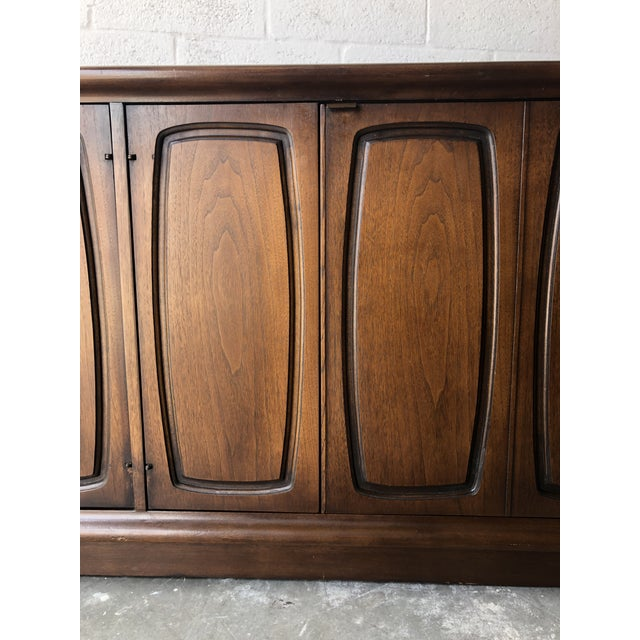 Broyhill Vintage Mid Century Modern Sideboard Credenza by Broyhill Emphasis Collection For Sale - Image 4 of 13