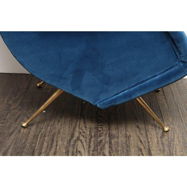 Italian Pair of Parisi Vintage Italian Club Chairs Upholstered in Teal Blue Velvet For Sale - Image 3 of 9