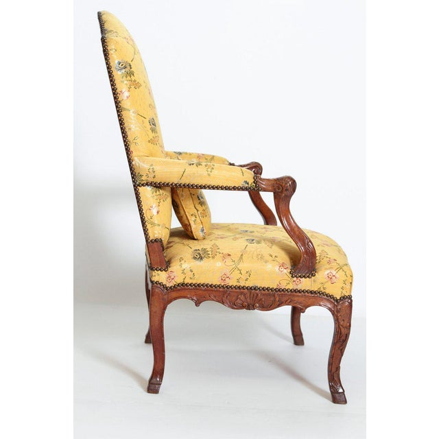A Early 18th Century Walnut Regence Armchair For Sale - Image 4 of 13