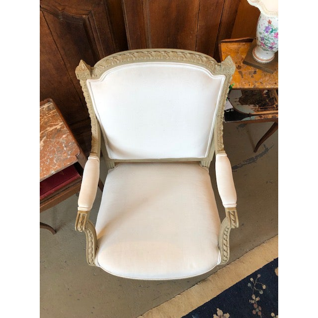 Paint 1900s Vintage Louis VI Style Gray Painted Bergere For Sale - Image 7 of 9