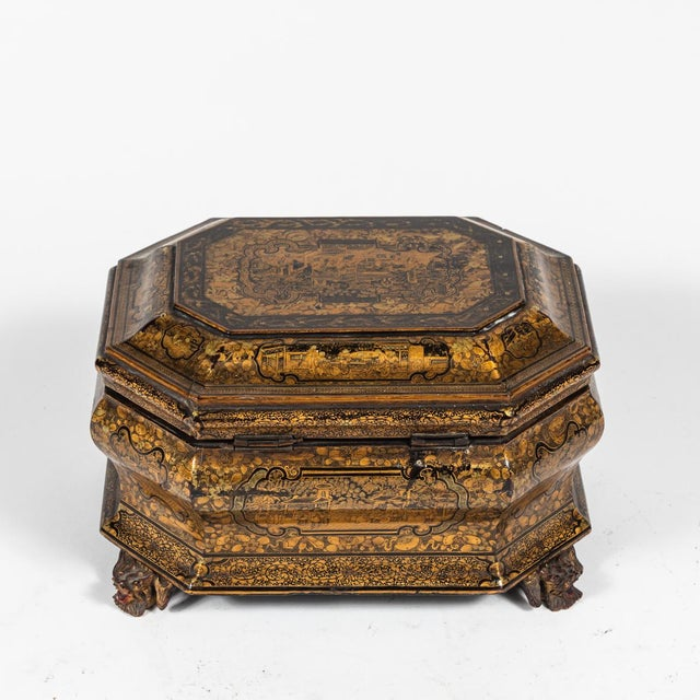 Early 19th Century Chinese Export Lacquer Box on Carved Feet For Sale In Los Angeles - Image 6 of 6