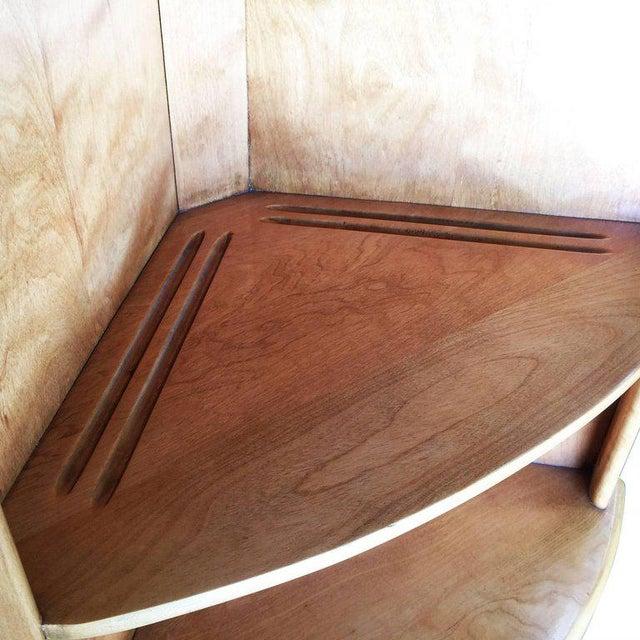 Heywood-Wakefield Blonde Streamline Maple Corner Cupboard Cabinet - Image 7 of 8