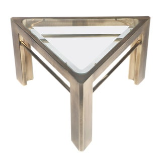 1970s Mid-Century Modern Mastercraft Triangular Side Table in Brass For Sale