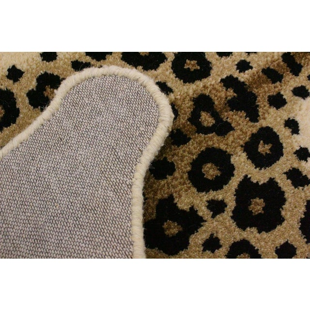 Contemporary Decorate Leopard Design Handcuffed Area Rug- 2′ × 3′ For Sale - Image 9 of 10