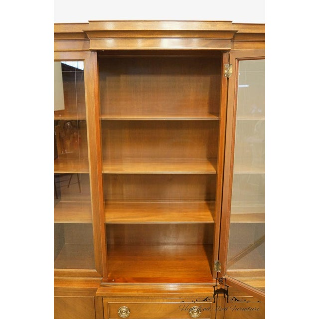 Late 20th Century Late 20th Century Vintage Rway Mahogany Block Front Duncan Phyfe China Cabinet For Sale - Image 5 of 13