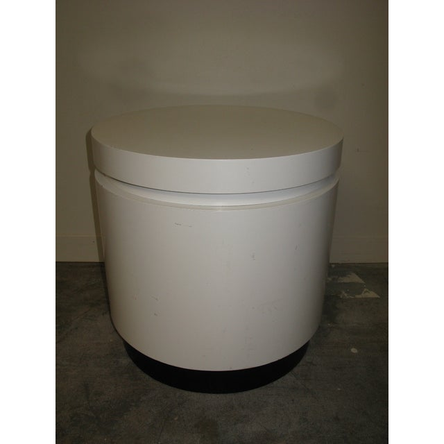 Mid-Century Modern 1970s Mid Century Modern White and Black Stand For Sale - Image 3 of 8