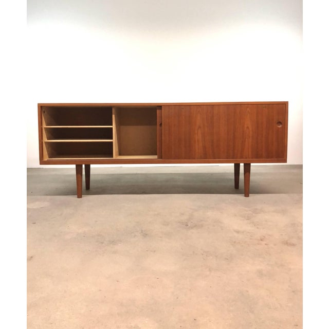 Mid-Century Modern Ry-26 Teak Credenza by Hans Wegner For Sale - Image 3 of 8