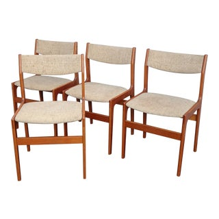 Set of Four Vintage Danish Mid Century Modern Dining Four Chairs Mobelfabrik For Sale