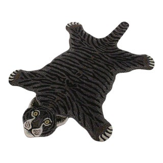 Contemporary Decorate Wild Black Tiger Design Handcuffed Area Rug For Sale