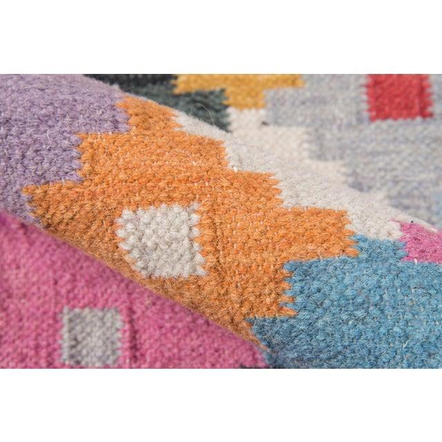 "Momeni Caravan Hand Woven Multi Wool Area Rug - 7'6"" X 9'6"" For Sale - Image 4 of 6"
