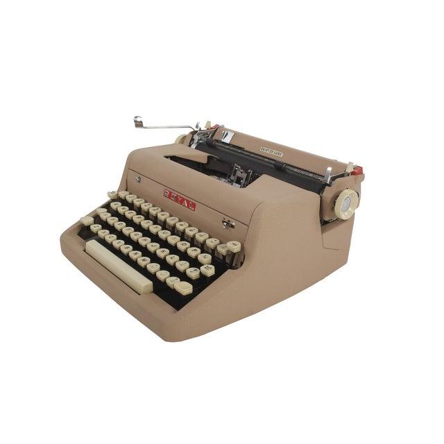 Royal Quiet DeLuxe Typewriter - Image 4 of 7