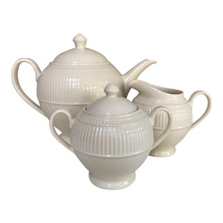 """Wedgwood """"Windsor"""", Cream Colored Tea Serving Set, 5 Pieces. For Sale"""