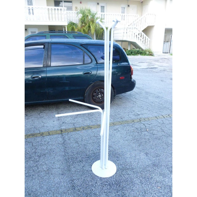 20th Century Italian Architectural Space Age White Enamel Coat Rack For Sale In Miami - Image 6 of 7