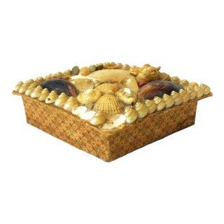 Antique C. 1830-1890 Sailor's Valentine Shell Box For Sale