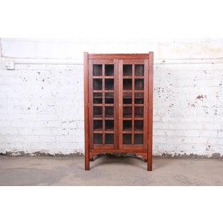Arts & Crafts Period Quartersawn Oak Bookcase in the Manner of Gustav Stickley, Circa 1900 Preview