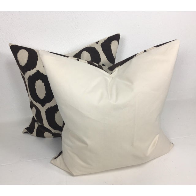 Contemporary Embossed Velvet Pillows – a Pair For Sale - Image 3 of 6