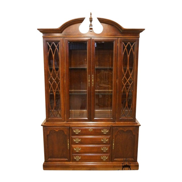 Late 20th Century Vintage American Drew Cherry Chippendale China Cabinet For Sale