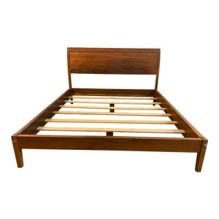 California King Thomas Moser Walnut Sleigh Bed Frame For Sale