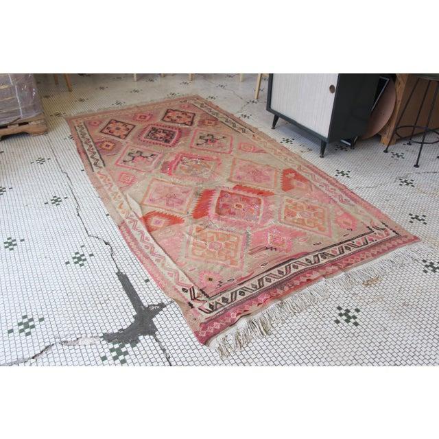 "Pink Kilim Flat Weave Rug- 5' x 9'4"" - Image 2 of 9"