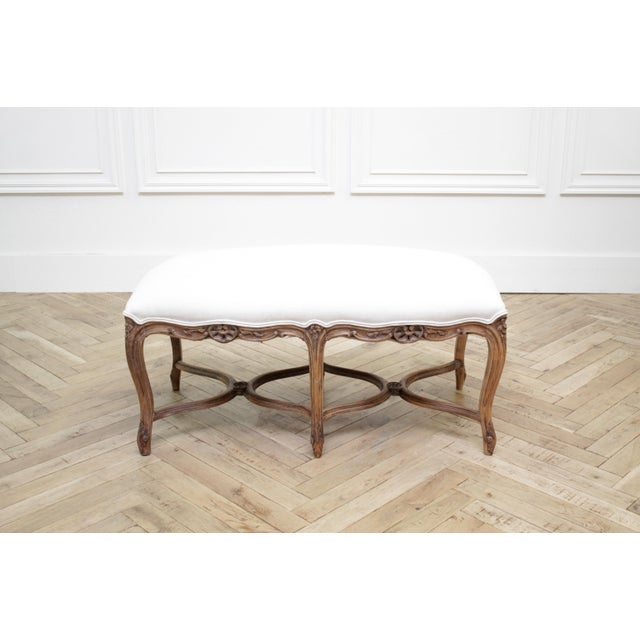 Mid 20th Century Antique French Louis XV Style Bench Upholstered in Irish Linen For Sale - Image 4 of 12