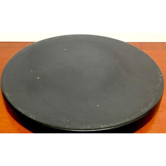 Ceramic Midcentury Sascha Brastoff Abstract Nude Circular Gallery Tray For Sale - Image 7 of 10