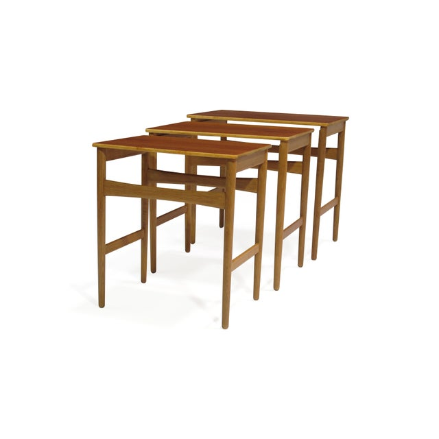 Oak Hans Wegner Teak and Oak Danish Nesting Side Tables - Set of 3 For Sale - Image 7 of 11