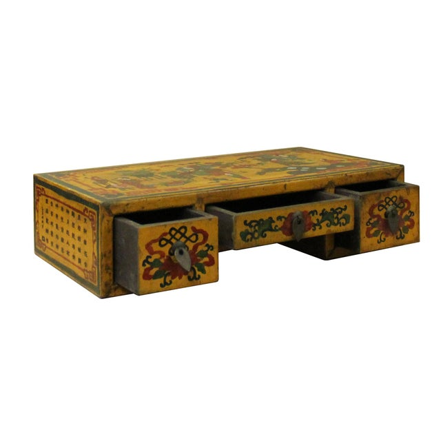 Asian Chinese Yellow Lacquer Graphic Table Top Stand Display Easel For Sale - Image 3 of 9