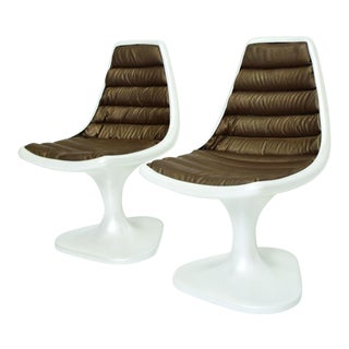 Sculptural Atomic Mid Century Modern Pair of Side Chairs in Fiberglass For Sale