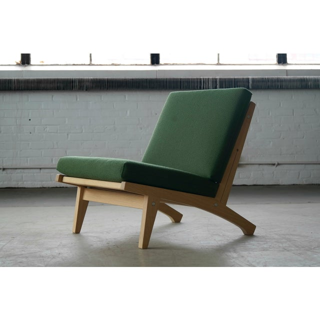Hans Wegner Hans Wegner Easy Chair Model GE370 for GETAMA, 1960s For Sale - Image 4 of 10