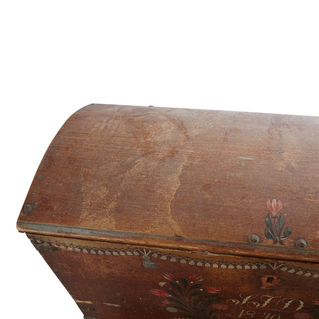 Swedish Painted Wood Wedding Chest, 1840 For Sale In Greensboro - Image 6 of 7