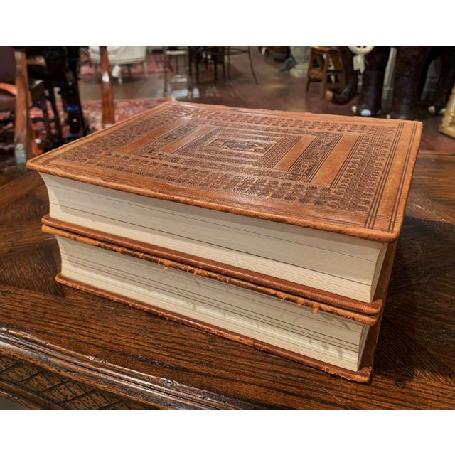 Mid-Century French Leather Bound Two-Volume Holy Bible Dated 1953 - Set of 2 For Sale - Image 12 of 13