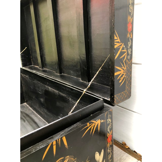 20th Century Hand-Painted Chinese Asian Decorated Storage Chest For Sale - Image 9 of 13