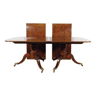 English Traditional Henredon Historic Natchez Collection Mahogany Inlaid Dining Table W 2 Leaves For Sale