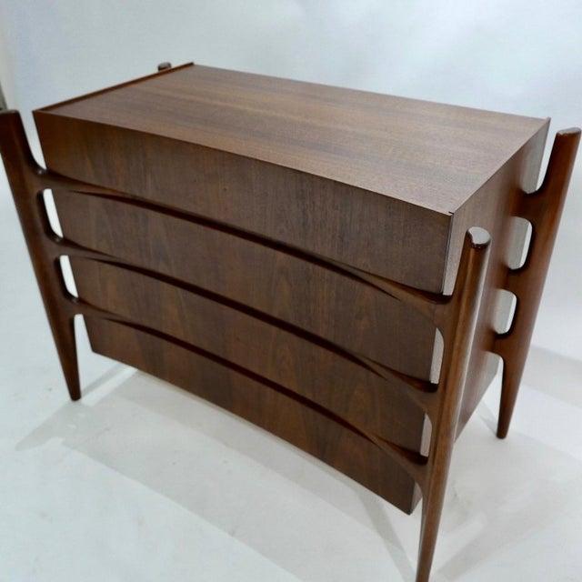 Mid-Century Modern Sculptural William Hinn for Urban Furniture Scandinavian 4 Drawer Walnut Chest For Sale - Image 3 of 11