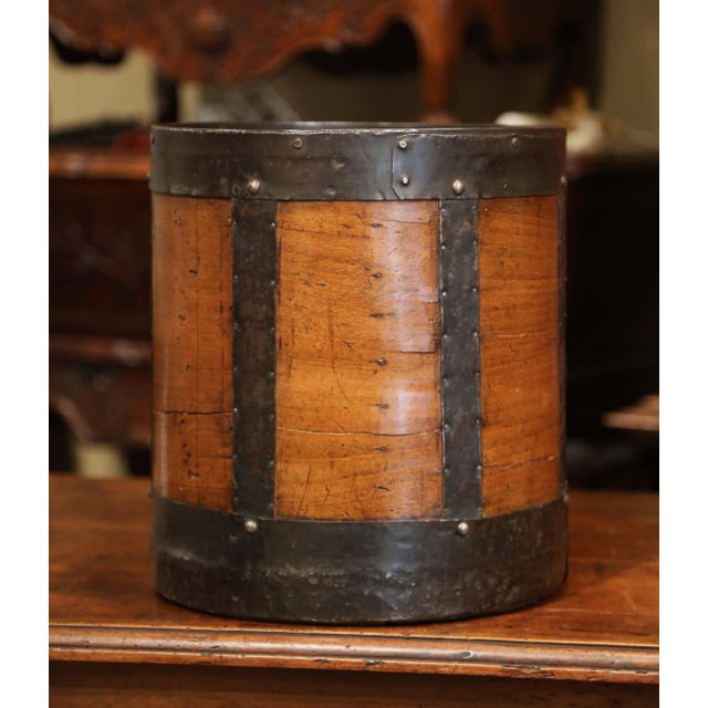 Mid-19th Century French Walnut and Iron Grain Measure Basket With Inside Handle For Sale - Image 4 of 11