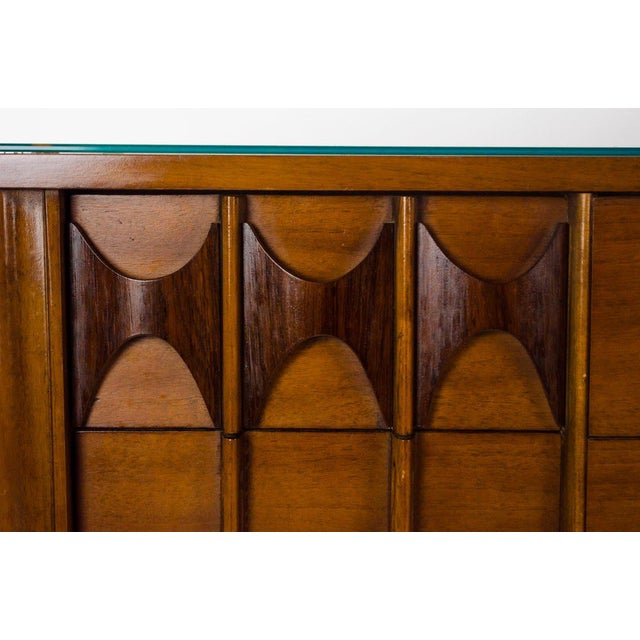 1960s Kent Coffey Perspecta Walnut and Rosewood Credenza For Sale - Image 5 of 13