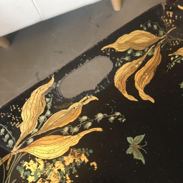 Chinoiserie 1960s Tole Butler Tray and Stand Flora Fauna Butterfly Motif For Sale - Image 3 of 13