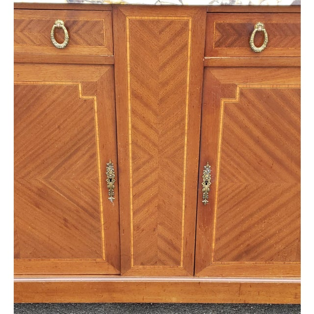 1950s French Louis XVI Style Walnut & Marble Top Dinning Room Hallway Cabinet For Sale In New York - Image 6 of 13