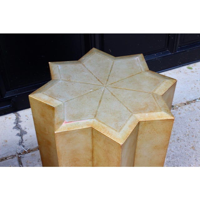 Mid 20th Century Vintage Henredon Hollywood Regency Star Gold Side Tables - a Pair For Sale - Image 5 of 10