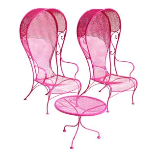 Vintage 1950s Woodard Pink Wrought Iron Hollywood Regency Porter Chairs With Round Table - Set of 3