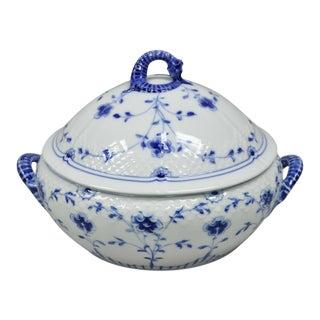 Bing and Grondahl B&G Kjøbenhavn Butterfly Lace Blue Covered Vegetable Bowl For Sale