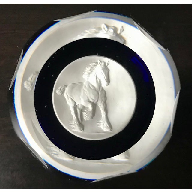 White Vintage Anheuser Busch Officers' Edition Collectible Caithness Scotland Clydesdale Sulphide Paper Weight For Sale - Image 8 of 8