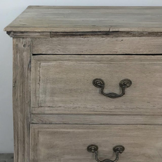 Gold 18th Century Country French Stripped Oak Commode For Sale - Image 8 of 13