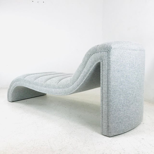 Contemporary Chaise Lounge in the Style of Kagan For Sale - Image 3 of 11