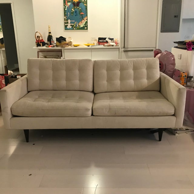 This sofa is in good condition, no sagging cushions etc however it does need a steam clean and is priced accordingly. All...