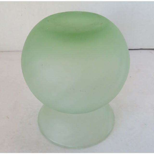Late 20th Century Italian Globe-Shaped Glass Vase For Sale - Image 5 of 6