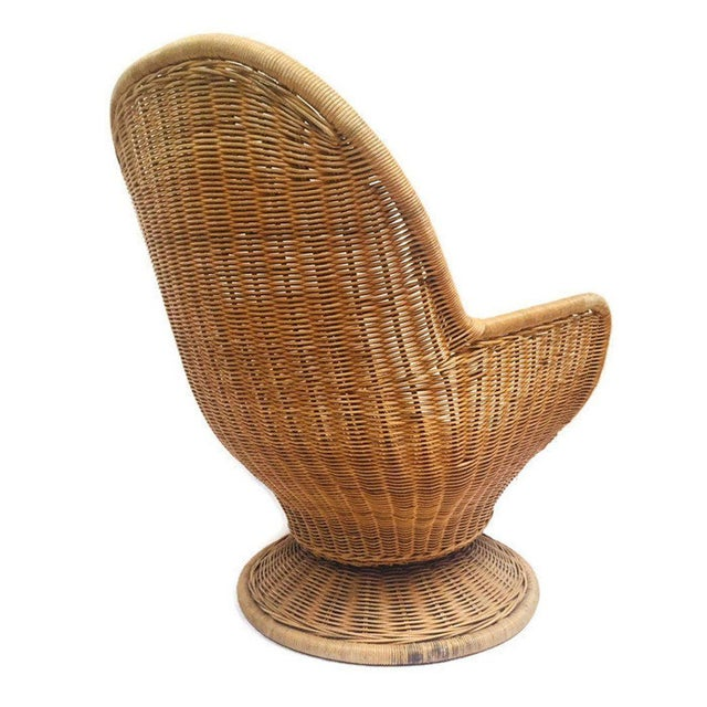 1980s Vintage Sculpted Rattan Egg Chair Swivel Wicker Club Chair For Sale - Image 11 of 13